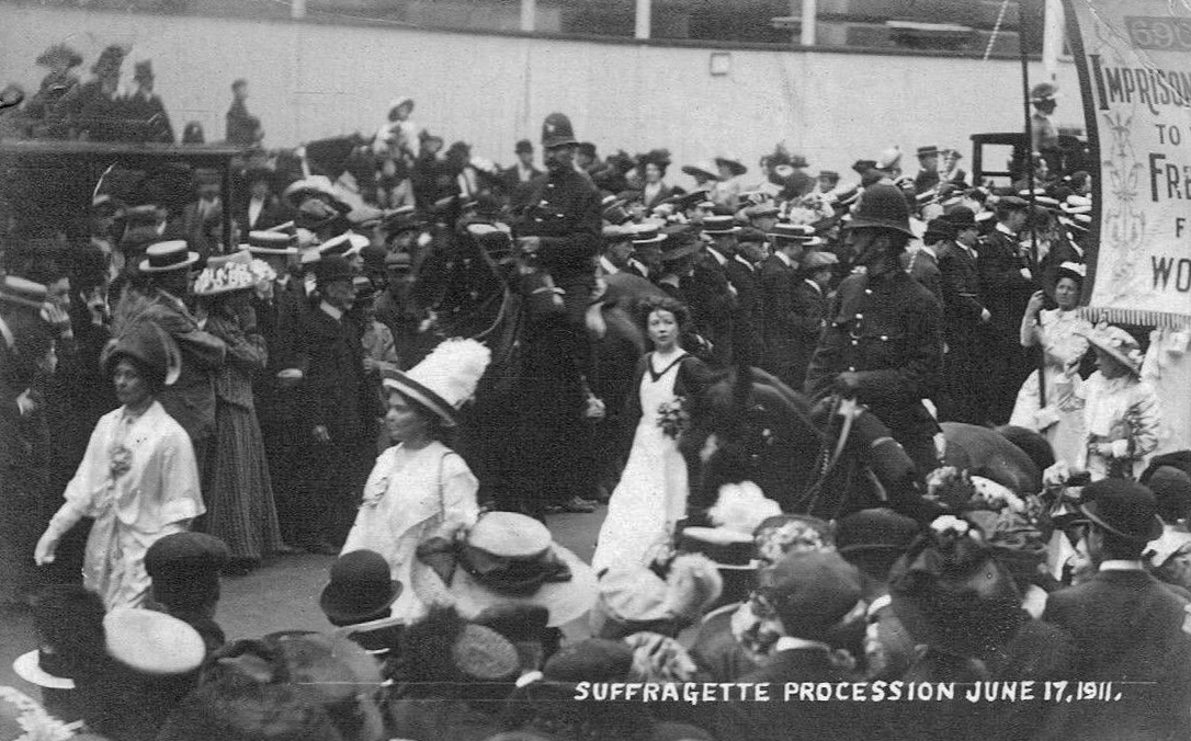 Suffragette procession 1911