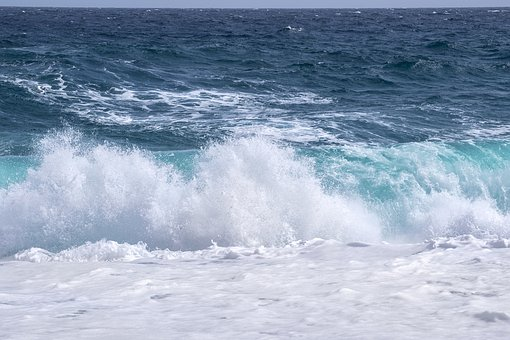 ocean waves rolling to shore 340