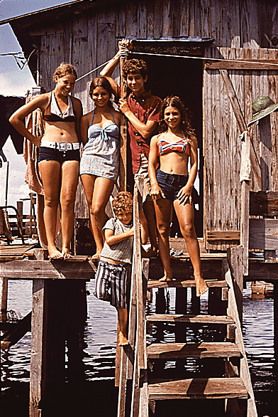 teensLouisiana Fisherman Family 1972
